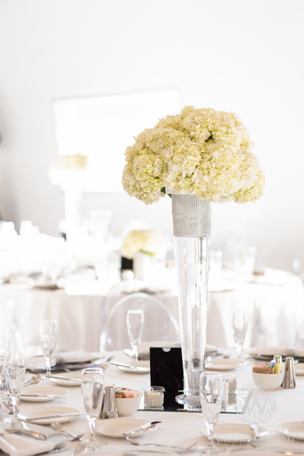 White Themed Centerpieces and Table Settings